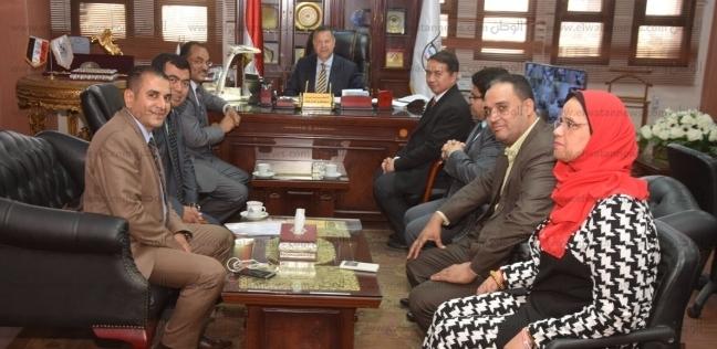 محافظ بني سويف يبحث مع الملحق التجاري الإندونيسي فرص التعاون الاقتصادي