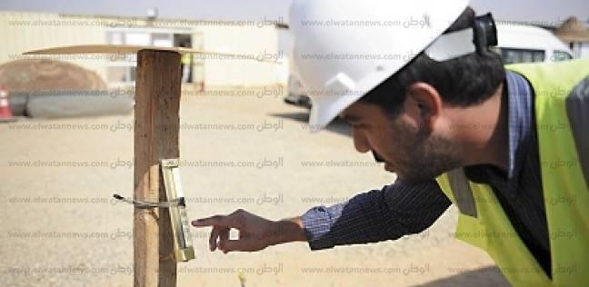 مهندس الأمن والسلامة بمشروع «بنبان»: «بنحمي العمال بسواتر وجوانتي ومفيش شغل لو الحرارة زادت عن 50 درجة»