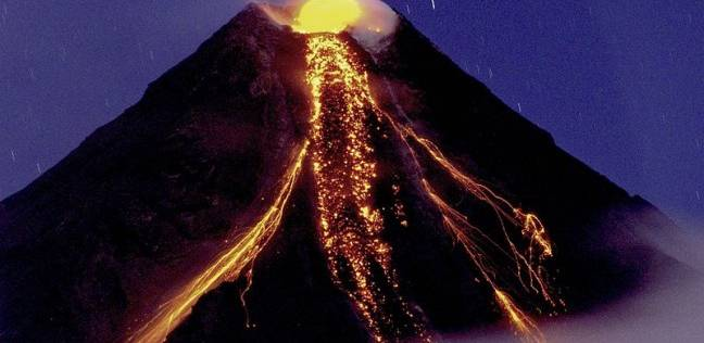 تحذيرات من تدفق رماد وصخور من بركان مايون للأهالي بالفلبين