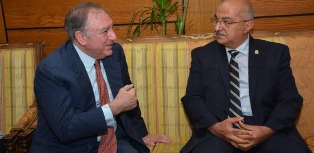 """جامعة أسيوط تستقبل رئيس """"بايوماس"""" لمناقشة تدوير المخلفات الزراعية"""