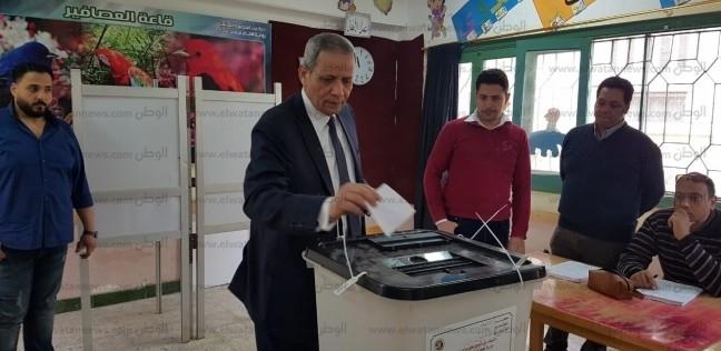 """وزير التربية والتعليم الأسبق يدلي بصوته: تعديل الدستور ليس """"بدعة"""""""