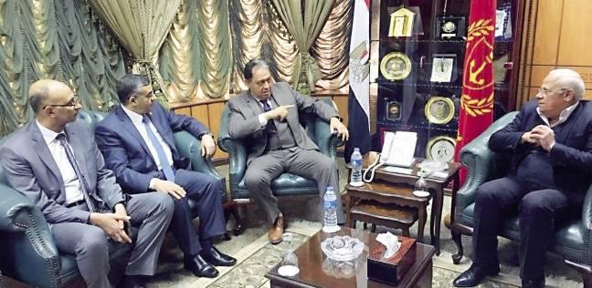 المدير التنفيذي للتأمين الصحي تتابع أعمال التطوير بمستشفيات بورسعيد