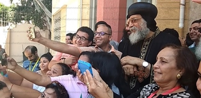 البابا تواضروس لخدامي كنيسة الإسكندرية: أهم ما نملكه الوقت