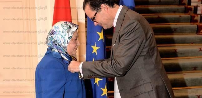 """تفاصيل منح السفير الفرنسي فرحة الشناوي وسام """"ضابط عظيم"""""""