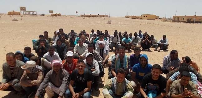 إحباط محاولة هجرة غير شرعية لـ49 شخصا خلال تسللهم إلى ليبيا