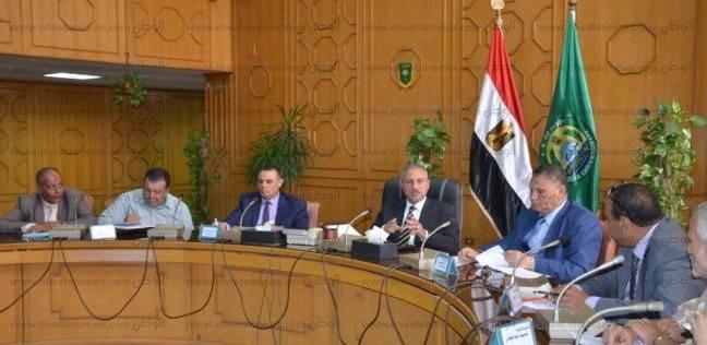 """محافظ الإسماعيلية يؤكد على التنفيذيين ضرورة ترشيد """"الكهرباء والمياه"""""""