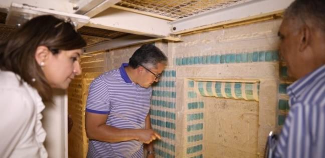 بالصور| وزير الآثار يتفقد تطوير وترميم المقبرة الجنوبية للملك زوسر