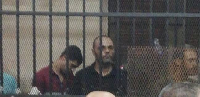 """تأجيل محاكمة نجل المرسي أبو العباس في """"قتل زوجته وطفلتيه"""" لـ6 نوفمبر"""