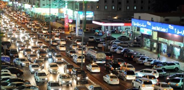 تكدس مروري في شوارع مدينة نصر بسبب كسر ماسورة مياه