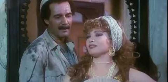 محمود ياسين وصفية العمري في فيلم الحرافيش