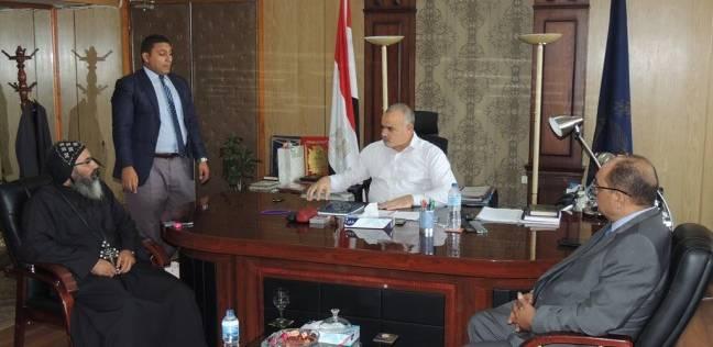 """وفد """"دير الأنبا صموئيل"""" يقدم التهنئة للواء عامر مدير أمن المنيا الجديد"""