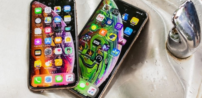 """انفجار هاتف """"آيفون"""" الجديد يثير غضب عملاء """"آبل"""""""
