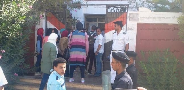 أولياء أمور طلاب الثانوية بشمال سيناء: الحادث الإرهابي لم يهز أبناءنا