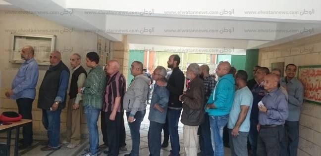 """توافد آلاف من عمال """"حقل ظهر"""" للمشاركة في الانتخابات الرئاسية"""