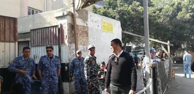 """محافظ الإسكندرية يتفقد سير العملية الانتخابية بـ""""السيد محمد كريم"""""""