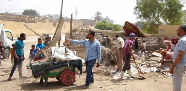 حملة للنظافة بمنطقة المصانع الإنتاجية ومدينة أخميم في سوهاج