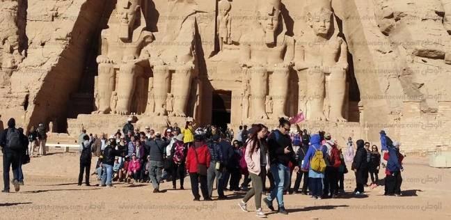 أبو سمبل. كان المعبدان أحد التحديات التي واجهت حملة الإنقاذ، وكانت الحلول  أمامهم عديدة مثل