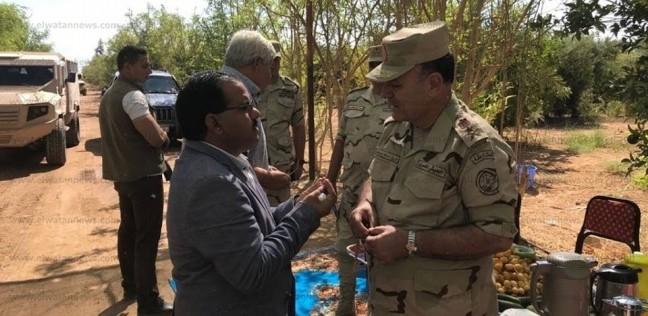 الفريق أسامة عسكر يتفقد المشروعات التنموية بمدينة الطور