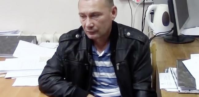 بالفيديو| قتل زوجته ووضعها في حقيبة للتخلص منها بأحد الشوارع