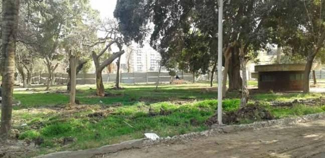 """تقليم الأشجار ورفع كفاءة الحدائق في حملة نظافة بـ""""جمرك الإسكندرية"""""""