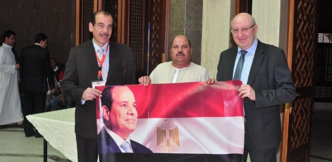 سفير مصر بألمانيا: الاستفتاء يسير دون معوقات.. ونتوقع إقبالا كبيرا