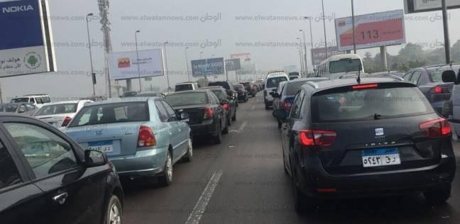 """تكثيف الخدمات المرورية بسبب توسعة طريق """"القاهرة - السويس"""""""