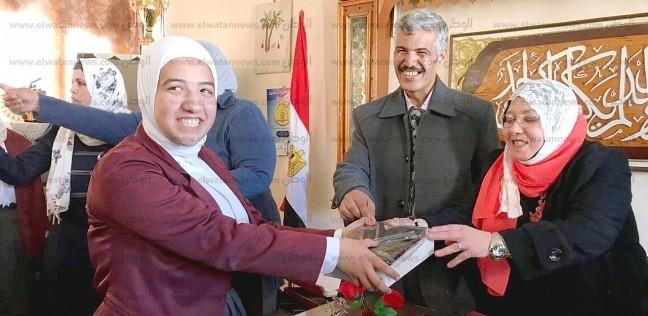 """توزيع """"التابلت"""" على طلاب شمال سيناء"""