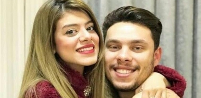أحمد حسن زوجته زينب