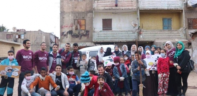 طلاب جامعة الأزهر ينظفون شوارع الدويقة بالتعاون مع حي منشأة ناصر