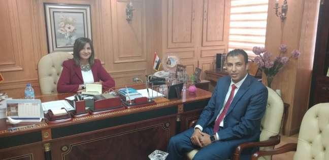 """مكرم تستقبل أحد علماء """"مصر تستطيع"""" لاستعراض مشروع تدوير المخلفات"""