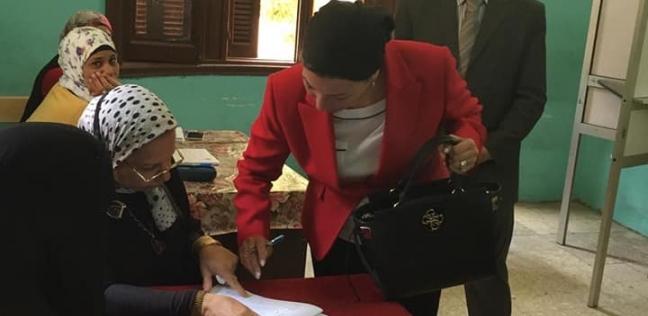 بالصور  وزيرة البيئة تدلي بصوتها في الاستفتاء على التعديلات الدستورية