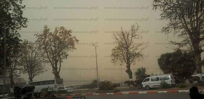 انتظام رحلات الطيران في مطار أسوان رغم العاصفة الترابية