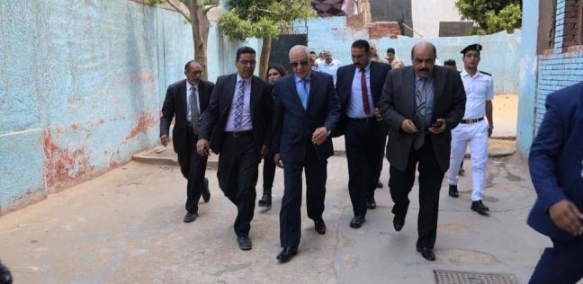 محافظ الجيزة يتفقد لجان الاستفتاء على التعديلات الدستوريةبالهرم