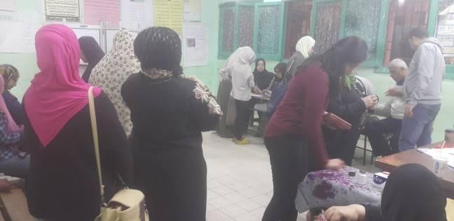 إقبال كثيف من قبل الناخبين على صناديق الاقتراع بأبوالنمرس والحوامدية