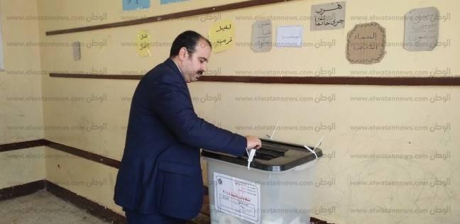 """وكيل """"صحة الشرقية"""" يدلي بصوته في """"أبوحماد"""""""