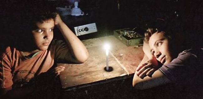 """انقطاع الكهرباء 6 ساعات متواصلة بـ""""السويس"""".. ومسئولي الشركة يتهربون"""