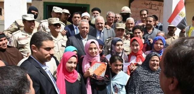محافظ الشرقية يتفقد لجنة مدرسة الشهيد محمد أشرف الإعدادية بأبو متنا