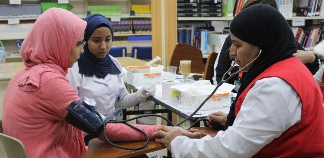 """بالصور  6000 طالب يجرون الفحص الطبي بحملة """"100 مليون صحة"""" بجامعة بدر"""