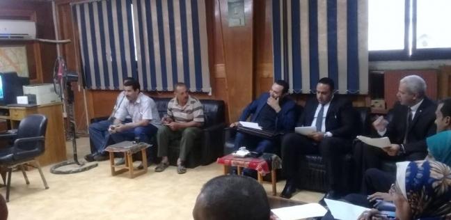 """لجنة من """"التنمية المحلية"""" تتفقد بعض مواقع العمل ببركة السبع"""