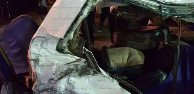 """مباحث المنيا: تصادم 13 سيارة على """"الصحراوي"""" بسبب انقلاب مقطورة محملة بالحديد"""