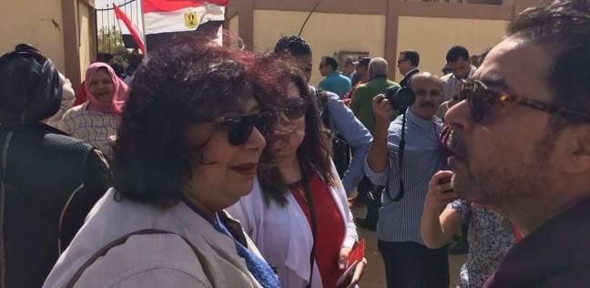 بالصور| إيناس عبدالدايم تدلي بصوتها في الانتخابات الرئاسية