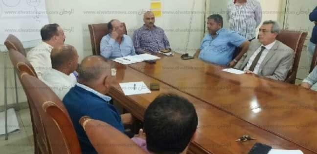 رئيس تجارية دمياط يطالب المشاركين في معرض سوهاج بضبط الأسعار - المحافظات -