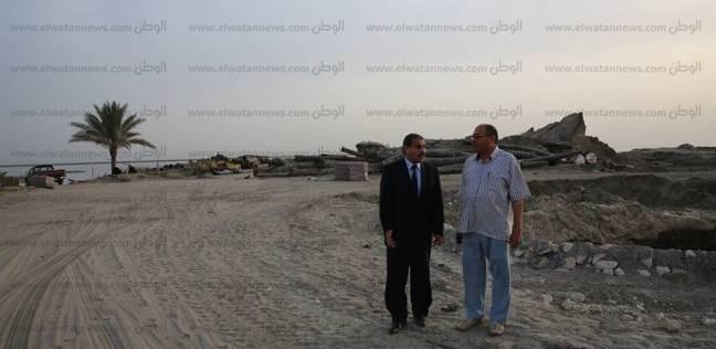بالصور| السكرتير العام لكفر الشيخ يتفقد كورنيش بحيرة البرلس