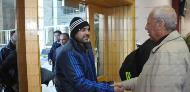 المحافظ يستقبل المنتخب الليبي في مطار أسوان