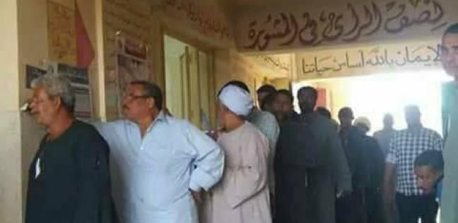 بالتحطيب والكف الصعيدي.. هكذا اختتم أهالي أسوان انتخابات الرئاسة
