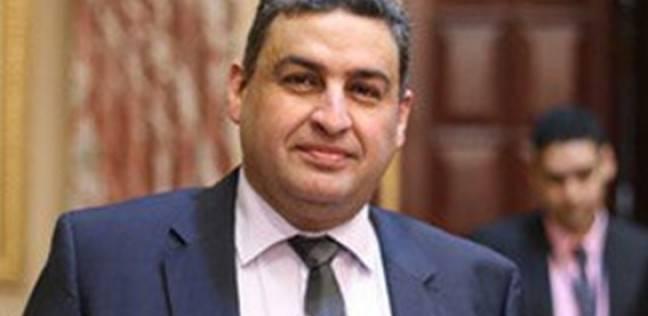 نائب: استقالة وزير النقل لن تعفيه من المسائلة القانونية