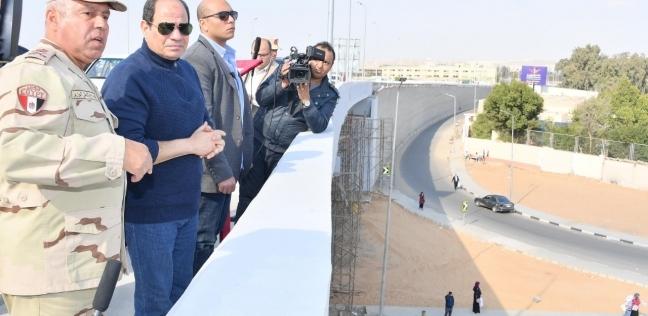 بالصور| الرئيس السيسي يتفقد عددا من مشروعات العاصمة الإدارية
