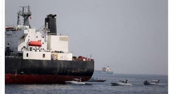 عاجل| إنقاذ 44 بحارا في هجوم عمان ونقلهم لأحد موانئ إيران