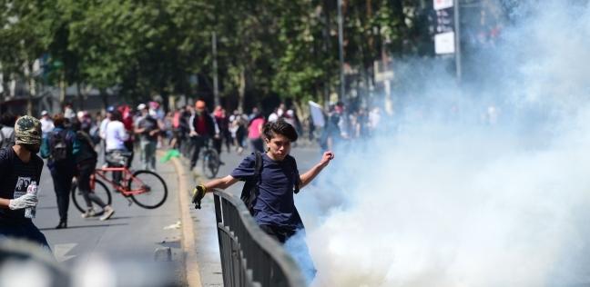 السلطات التشيلية تفرض حظر تجول في سنتياجو لليلة الثانية على التوالي