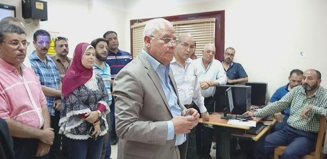 محافظ بورسعيد يتفقد تدريبات معلمي الصف الأول الثانوي على النظام الجديد